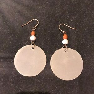 Jewelry - Shell and wooden bead earring